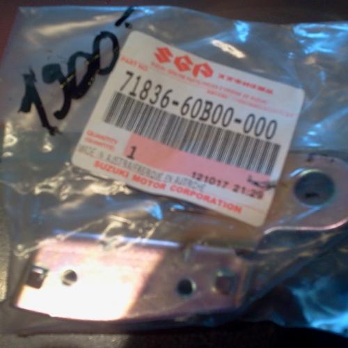 1996-2003 - Suzuki Swift Bal oldali hátsó felső vészhárító és sárvédő rögzítő elem 71836-60B00-000 Lökhárítótartó 3/5 ajtós 1900Ft