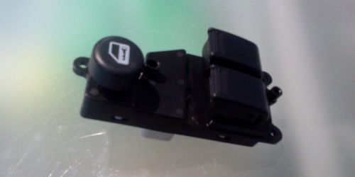 Suzuki Ignis Bal oldali ablakemelő kapcsoló 37990-86G10 37990-86G20 14900Ft