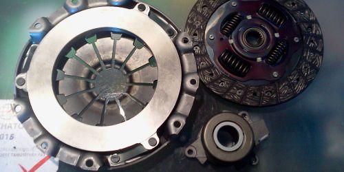 2010- Suzuki Swift Sport, 2010- SX4 - Kuplung szett Kuplung szerkezet: 47.900Ft Tárcsa: 27.900Ft Kinyomócsapágy - hidraulikus: 27.900Ft 103700Ft