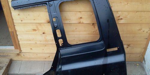 Suzuki Vitara - Bal oldali hátsó oldalfal, alapozott fekete Gyári! 39900Ft